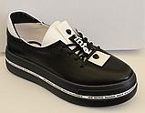 Кроссовки кожаные женские на толстой подошве от производителя модель ЛИ110-1, фото 2