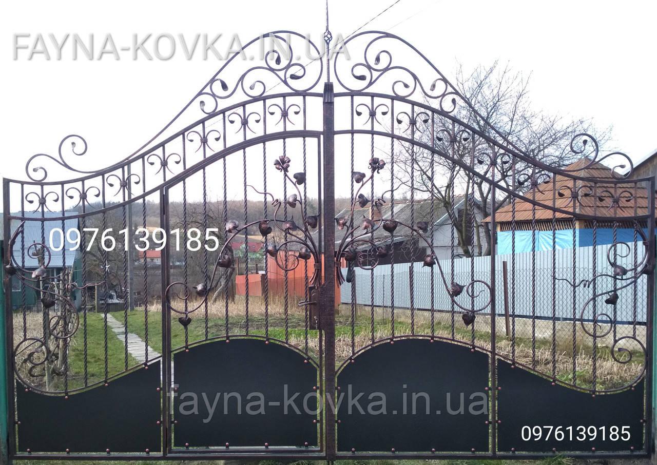 Кованые ворота с калиткой всередине 192.