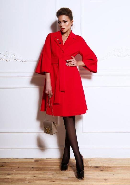 Пальто демисезонное кашемировое красное  с отрезной юбкой Raslov 265