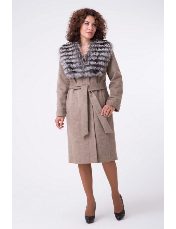 Зимнее классическое  пальто с мехом чернобурки  . Almatti Z 43