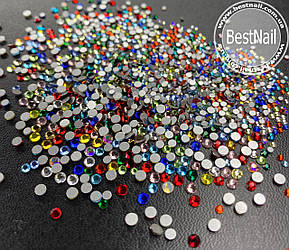 Стразы микс размеров и цветов (стекло) 100 штук