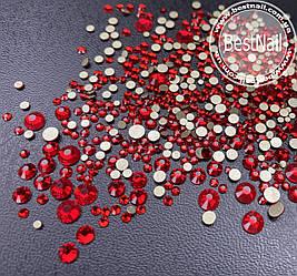 Стразы красные микс размеров (стекло) 100 шт.