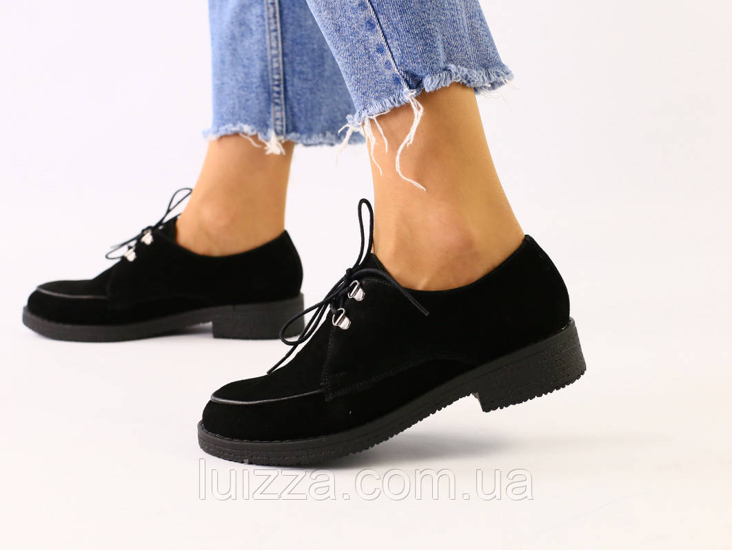 Женские черные замшевые туфли на шнурках