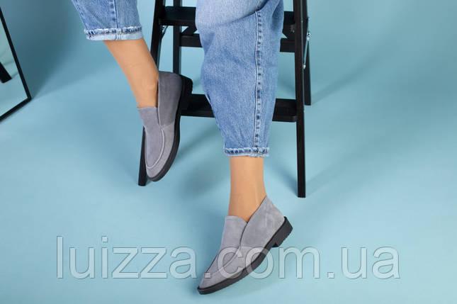 Серые замшевые туфли-лоферы на черной подошве, фото 2
