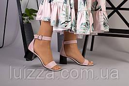 Босоножки на каблуке, пудра замш