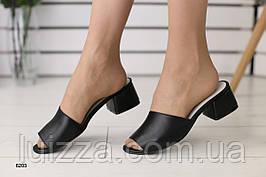 Женские кожаные закрытые шлепанцы на каблуке