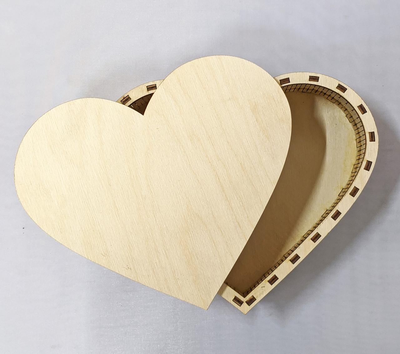 Шкатулка сердце для декупажа 23*19см
