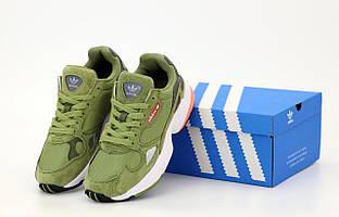 Женские зеленые кроссовки Adidas Falcon