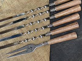 """Подарунковий набір шампурів з дерев'яними ручками """"Версаль"""" + виделка, в шкіряному сагайдаку"""