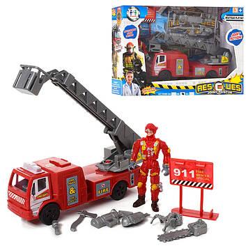 Набір рятівників: пожарний,17см,аксес.,фігурки 10см.,в кор-ці,25х18х7см №999B-3В(36)