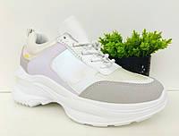 Кросівки жіночі з яскравими вставками