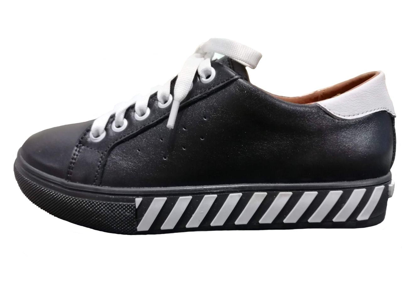 Женские кожаные кроссовки (черные)