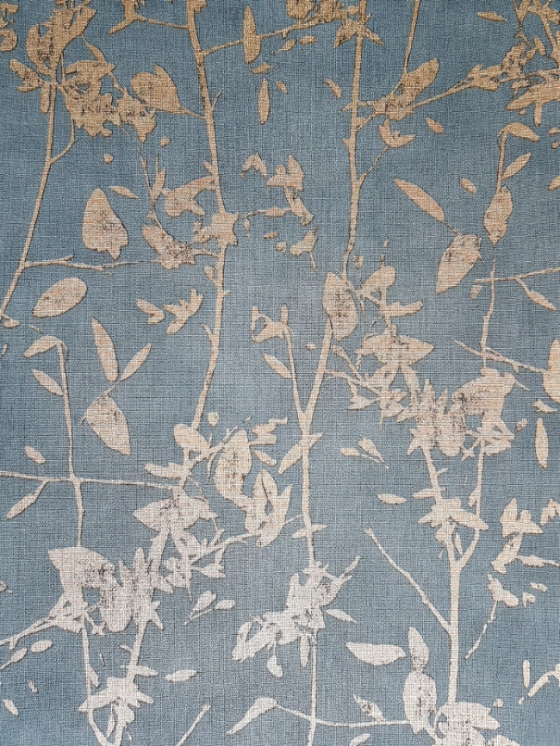 Ообои виниловые на флизелине Decoprint Moments MO22873 листья ветки золотые на бирюзовом фоне