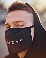 Защитная многоразовая тканевая маска черная с принтом с рисунком мужская женская