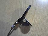 Брелок кожзам округлый Daewoo Уценка пятно на заклепке эмблема Деу автомобильный на авто ключи комбинированный, фото 4