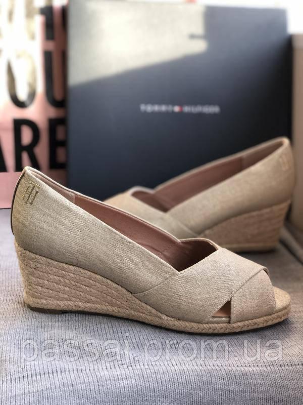 Летние открытые туфли бренд tommy hilfiger