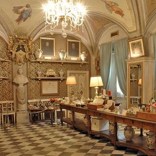 600-летний парфюмерный магазин Санта Мария Новелла
