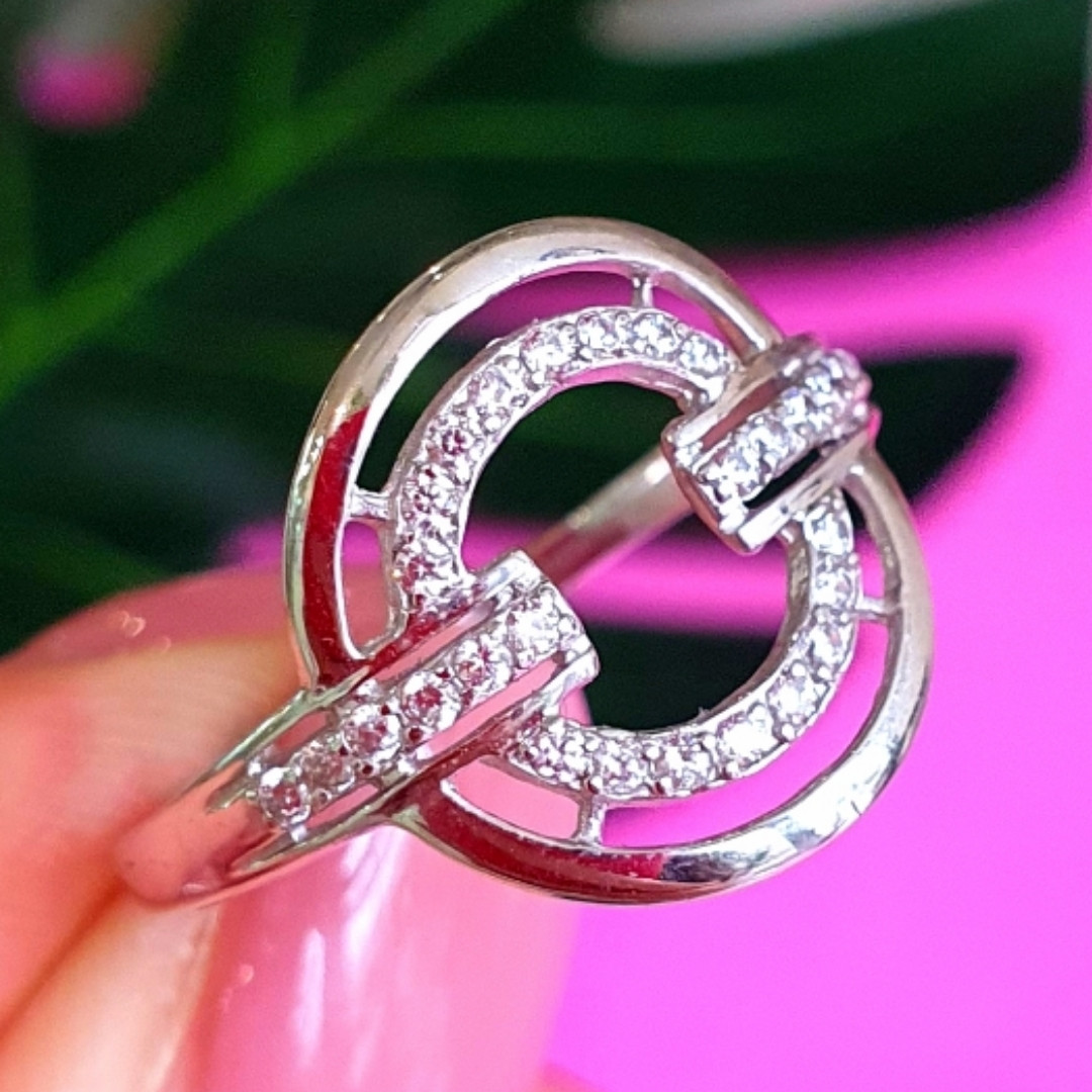 Женское серебряное кольцо с цирконием - Родированное серебряное кольцо с фианитами