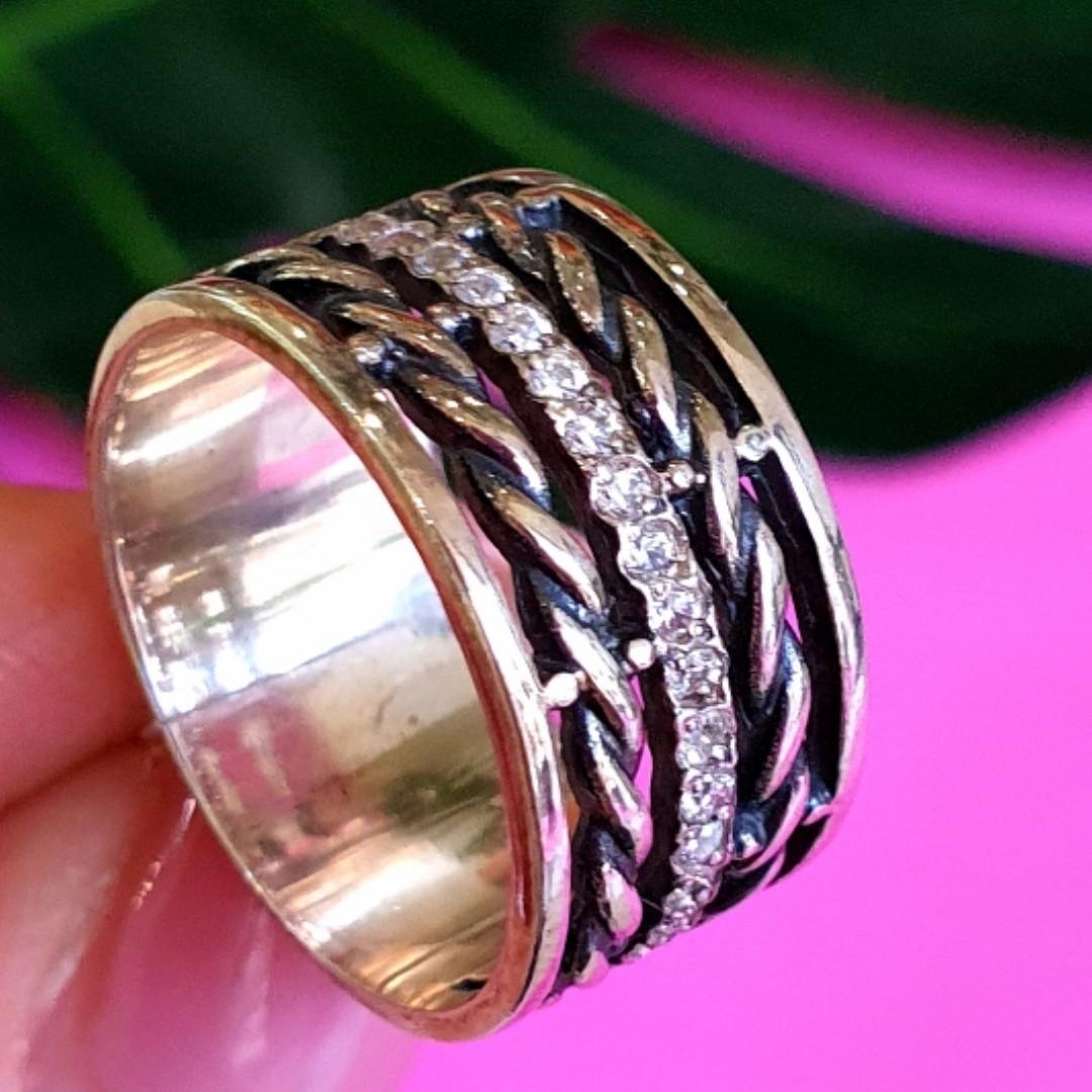 Женское серебряное кольцо с фианитами и чернением - Широкое женское серебряное кольцо