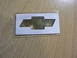 Наклейка s маленькая эмблема Chevrolet крестик 44х16.5х1мм силиконовая золотистая эмблема на авто Шевролет, фото 3