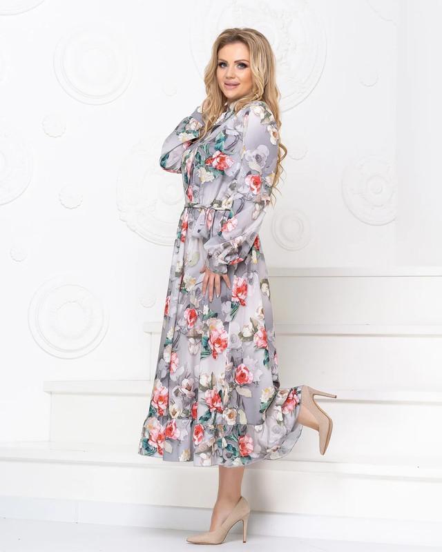 Элегантное романтичное платье цветы основа серый