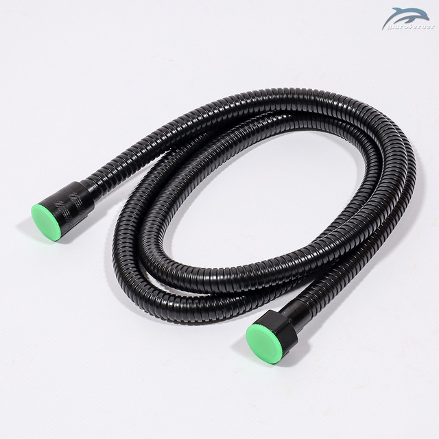 Гибкий шланг для душевой системы WEMI SB-05 требуется, чтобы осуществлять подключение и подвод воды на лейку ручного душа.