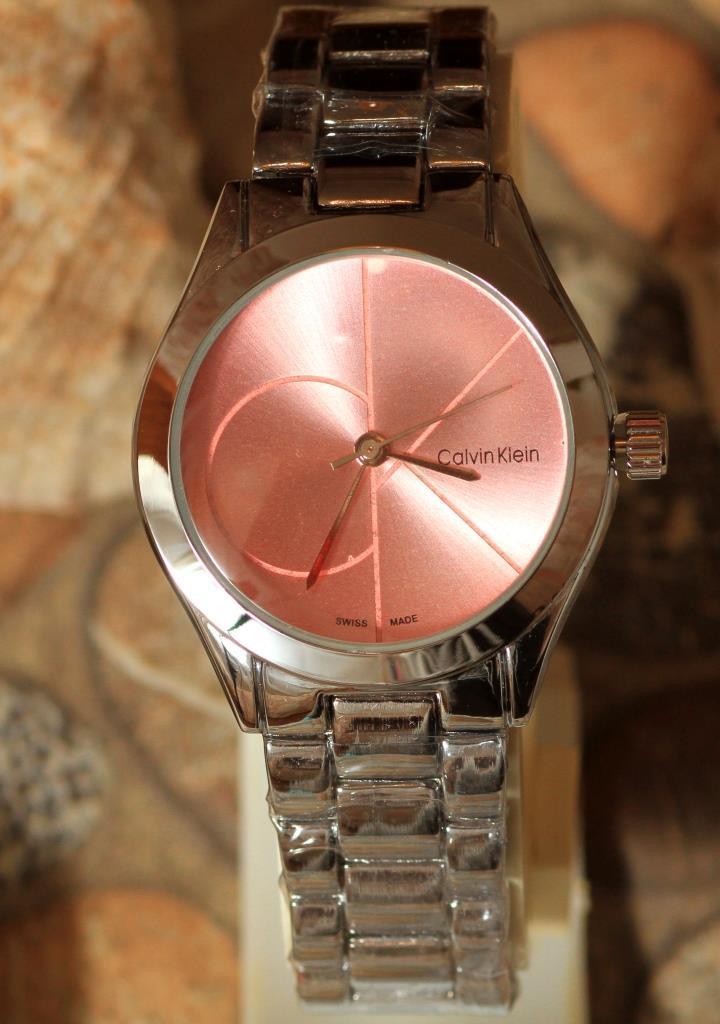 Наручные кварцевые часы HS0080 с металлическим браслетом серебристого цвета