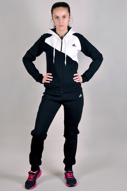 Женские зимние спортивные костюмы