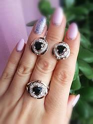Серебряные кольцо и серьги - комплект с черными камнями