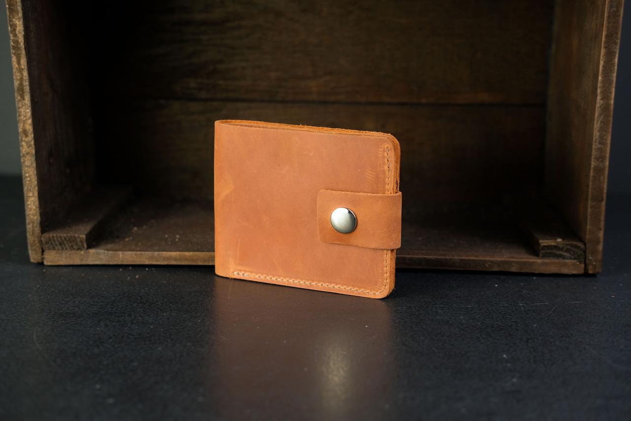 Классическое портмоне на 6 карт с застежкой Crazy Horse коньяк