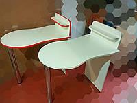Маникюрный стол компакт с фигурной столешницей. Стол для маникюра раскладной с полкой для лаков.