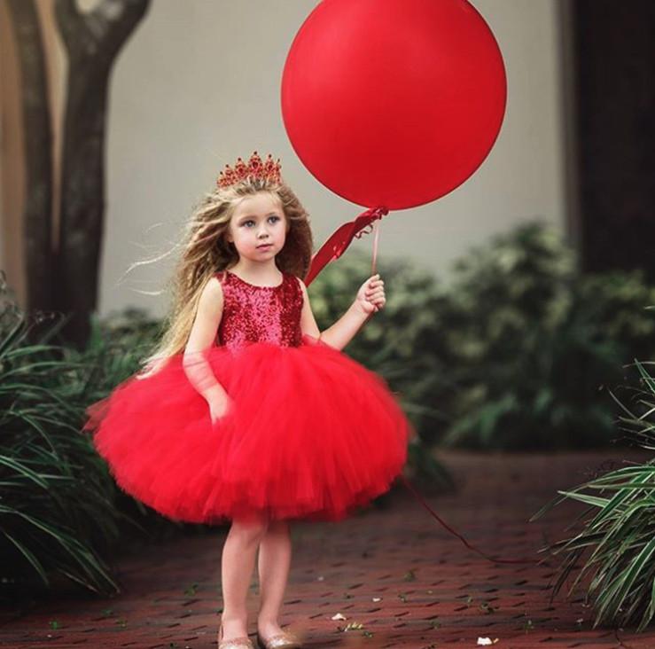 Нарядное детское пишное платье на девочку красное с пайетками 1-4 года