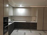 Мебель кухня со столешницей из камня
