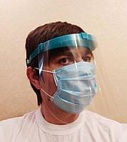 Щиток защитный стоматологический с козырьком с 1 ПВХ экраном.