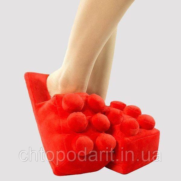 Мягкие комнатные тапочки конструктор Лего, домашние тапочки Lego красные  Код 14-2764