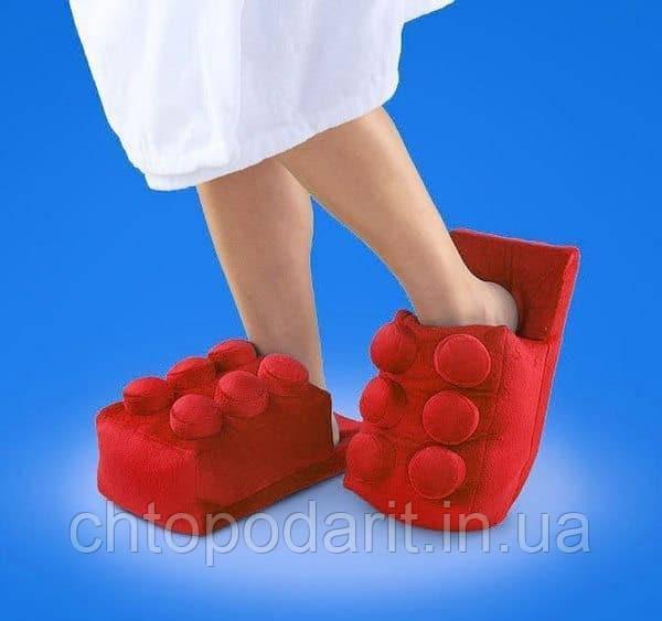Мягкие комнатные тапочки конструктор Лего, домашние тапочки Lego красные  Код 14-2771