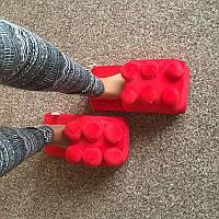 Мягкие комнатные тапочки конструктор Лего, домашние тапочки Lego красные  Код 14-2779