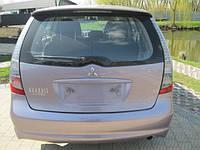 Mitsubishi grandis задня частина комплектна : крышка багажника, задние фары, крылья , задний бампер с усилител