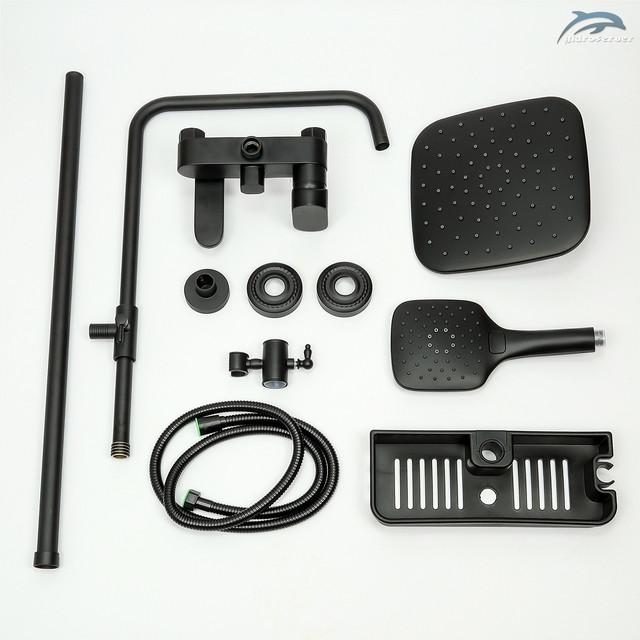 Душевая система черного цвета WEMI SB-10 оборудована тремя действующими устройствами для комфортного приема душевых процедур.