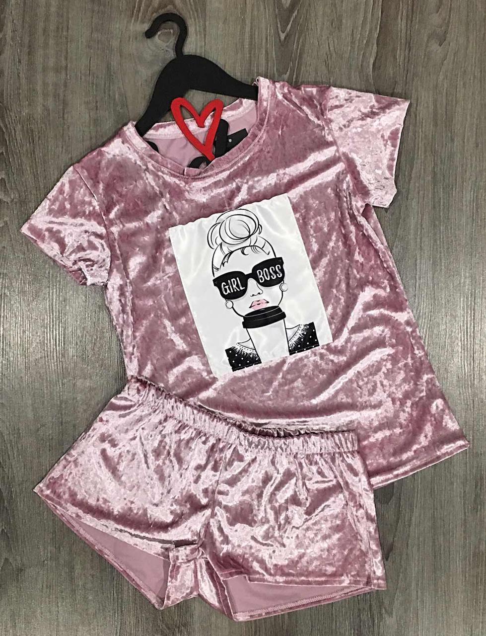 Молодежный велюровый комплект футболка с рисунком +шорты.