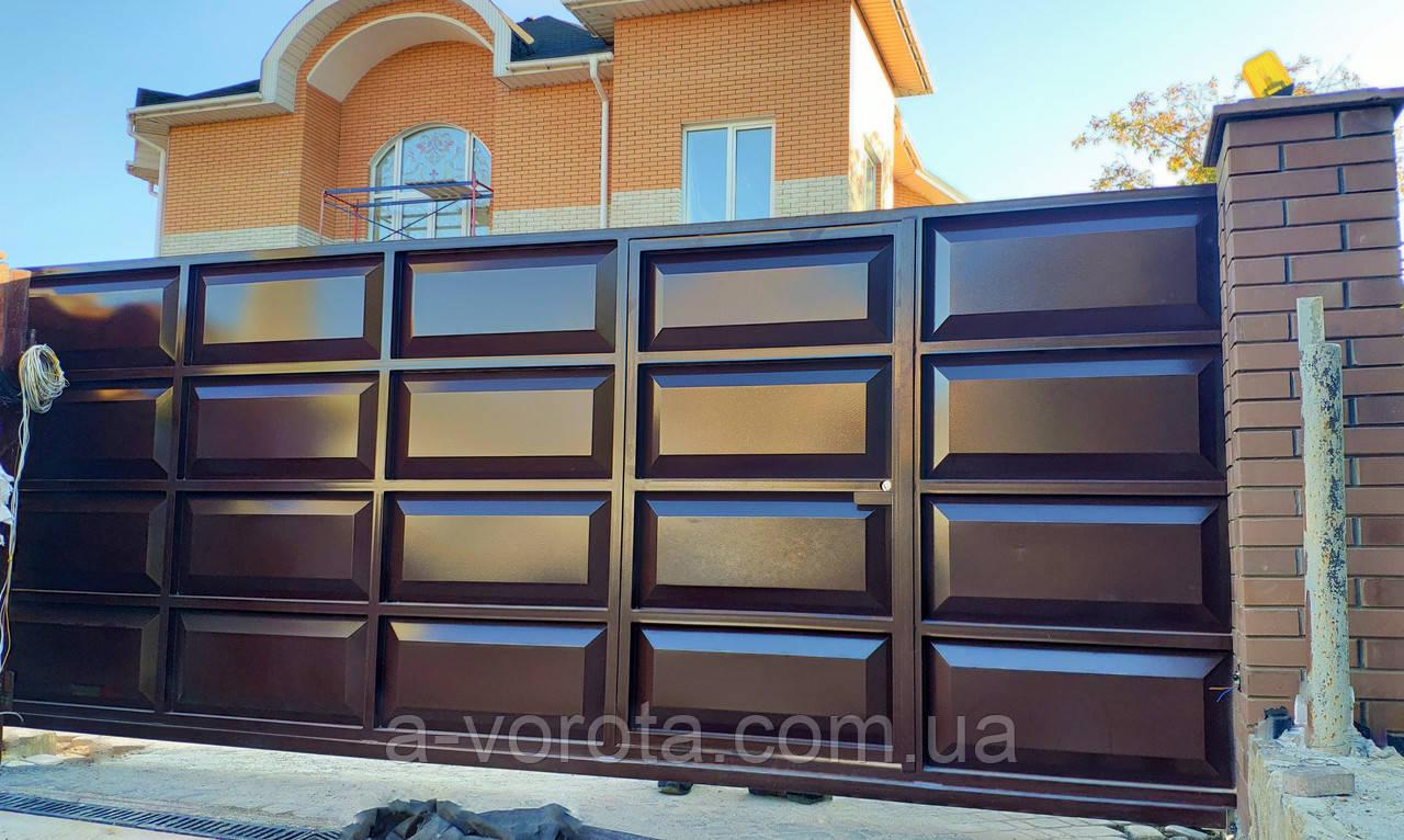 Откатные металлические ворота с калиткой ш5000 в 2000(дизайн филёнка шоколадка-гладкая)