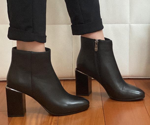 Класичні шкіряні черевички жіночі