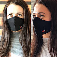 Черная классическая маска с надписью