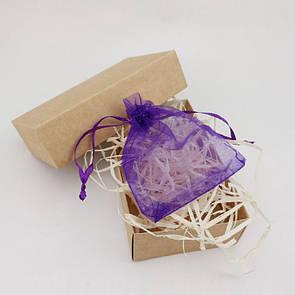 Подарочная коробочка с мешочком из органзы и древесным наполнителем