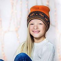 Шапка-бини из шерсти мериноса СОФИЯ (размер 44-48, оранжевый с оленями)