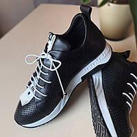 Женские черные кроссовки кожаные (натуральная кожа, шнуровка, перфорация)
