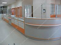 Мебель для аптеки. Оранжевый цвет аптечного торгового оборудования.