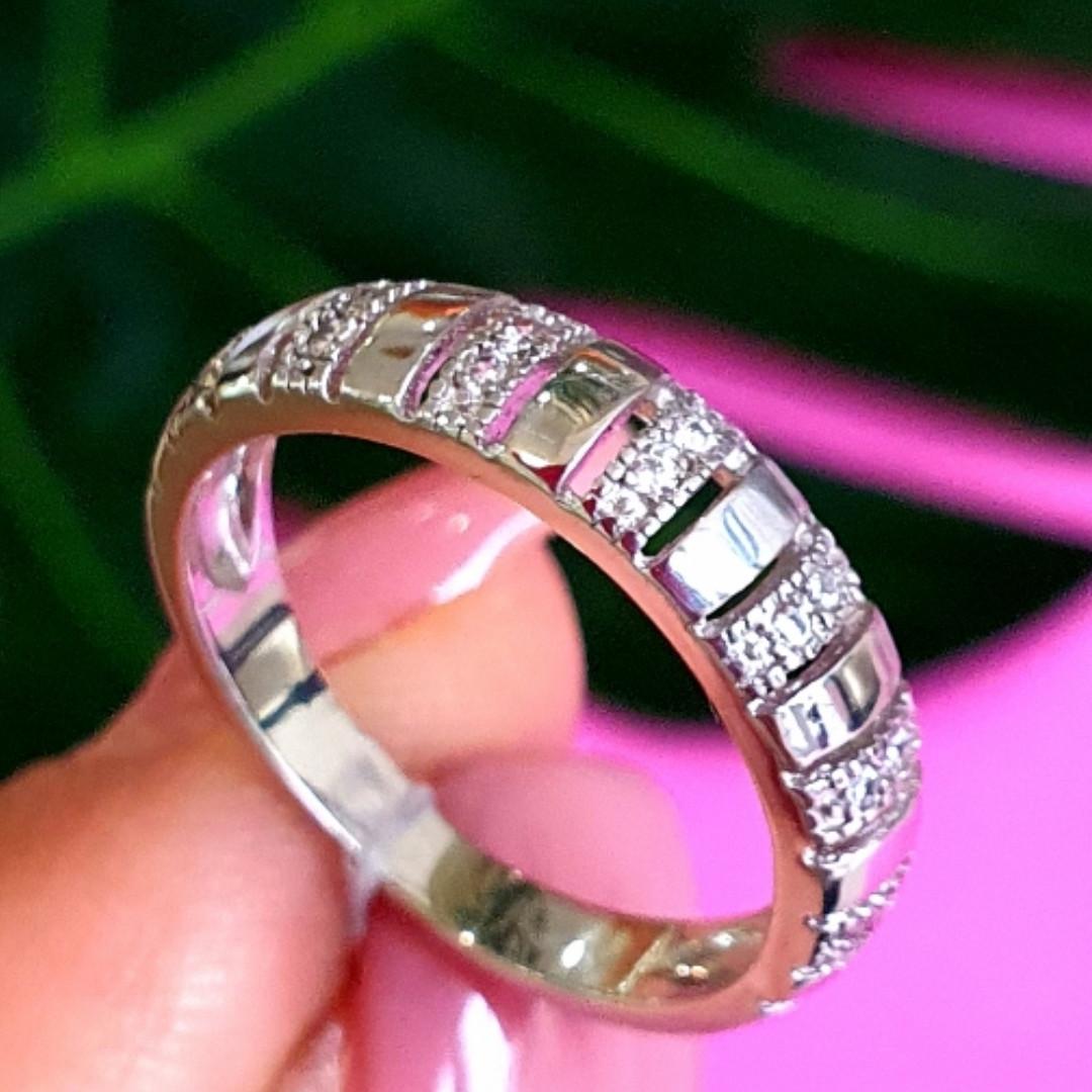 Серебряное кольцо дорожка с фианитами - Женское серебряное кольцо в стиле минимализм