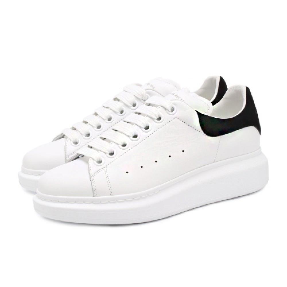 Женские кроссовки  в стиле Alexander McQueen Triple White Black