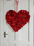 Декоративне червоне серце з пелюсток троянд 60 см, фото 7